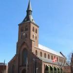 Sankt Knuds Kirke (:Odense Domkirke) dannede ramme om tre meget store begivenheder i H.C. Andersens liv: Hans forældres bryllup kun tre måneder før hans fødsel, hans faders død og gravsted samt H.C. Andersens konfirmation