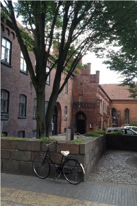 Gråbrødre hospital ligger på Gråbrødre Plads i Odense, der er at finde i forlængelse af Ove Sprogøes Plads og med forbindelse til gågadesystemet